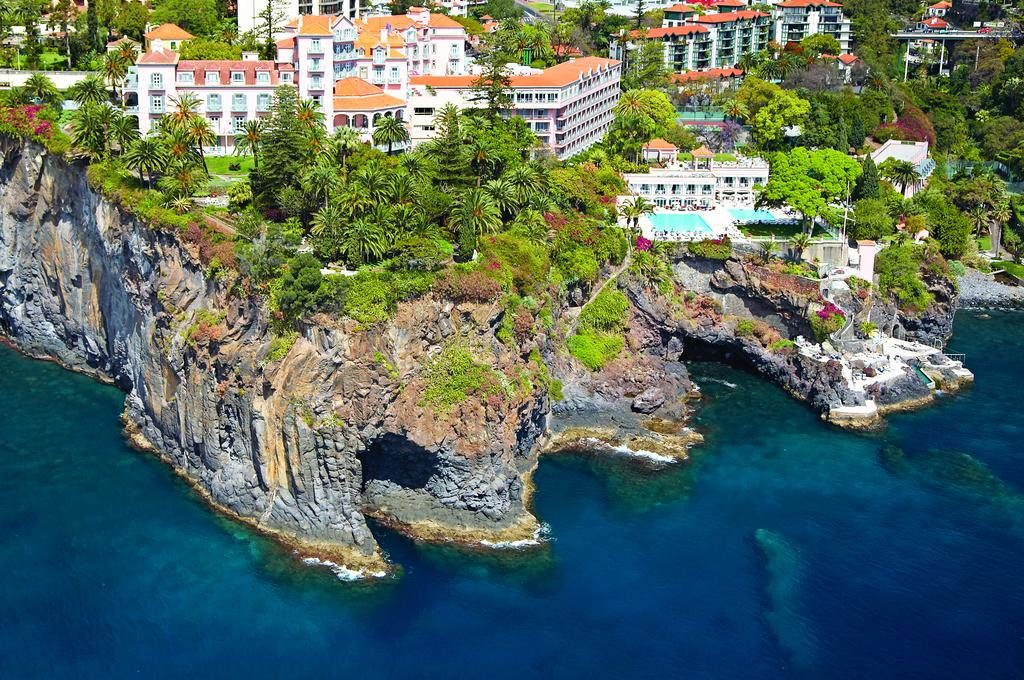 An arial shot of Belmond Reid Palace incentive hotel in Madeira